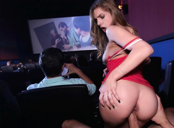 Секс с путаной в кинотеатре